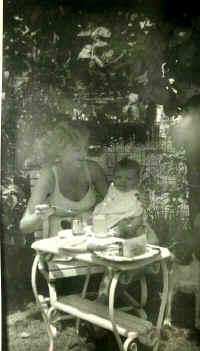 http://www.auntmorag.com/macinnes9.jpg (155871 bytes)